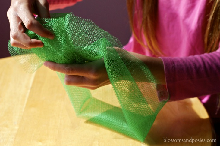 Tie a square knot - Blossoms and Posies