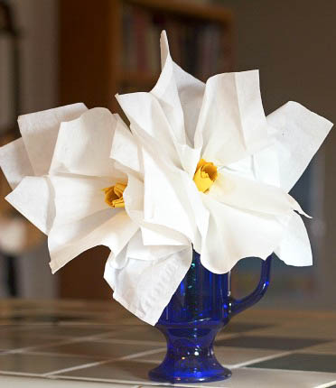 Kleenex lily tutorial